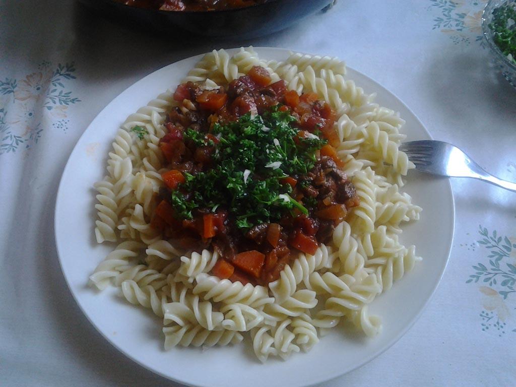Pasta Milanese mit Ossobucco Soße