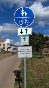 Rad/Fußwegschild am Ringgleis Nord